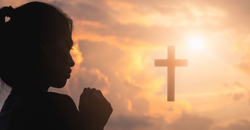 What Is a Confession Prayer and How Do You Pray It?