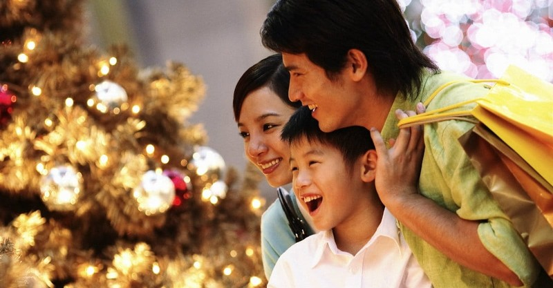 18 Affordable Ways Families Can Celebrate Christmas