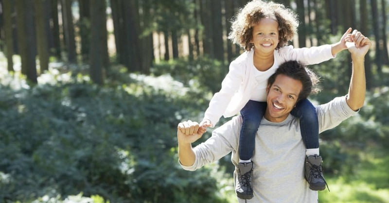 """5 Easy Ways Dads Can Prevent """"Daughter Crisis"""""""