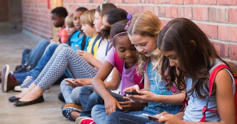 How to Get Your Digital Kids Outdoors