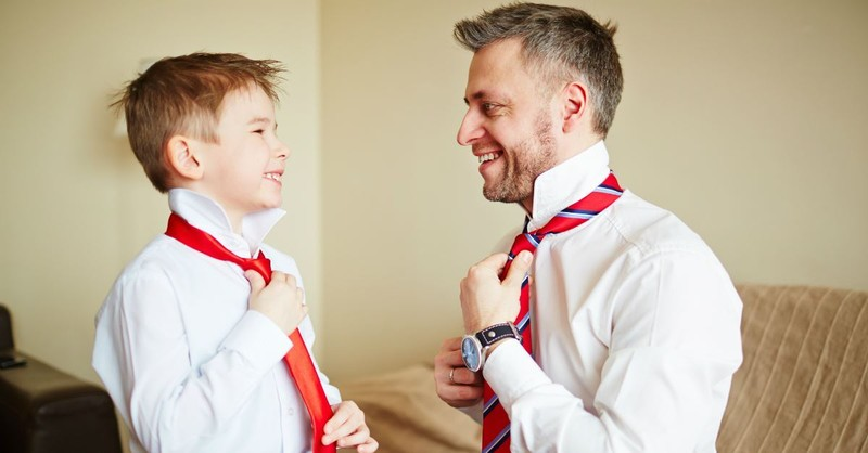 10 Ways to Be a Godly Example for Your Children