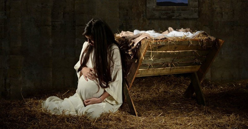 3 Ways Mary Teaches Us to Overcome Disappointment at Christmas