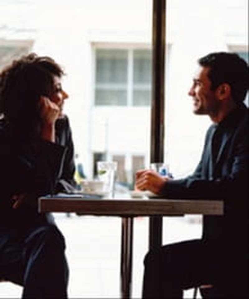 How to Act Naturally on a First Date