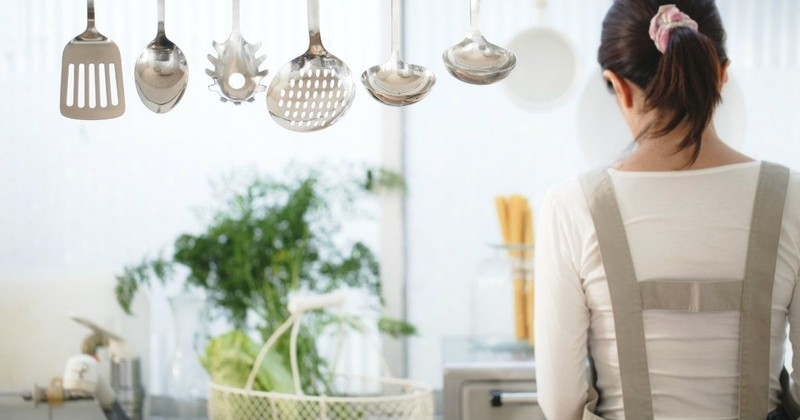 3 Sneaky Obstacles to Being a Happy Homemaker (And How to Overcome Them)