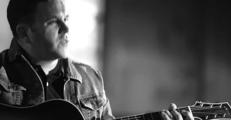 Matt Redman - 10,000 Reasons (Bless the Lord) (Official Music Video)