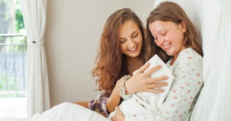 7 Creative Ways to Love New Moms