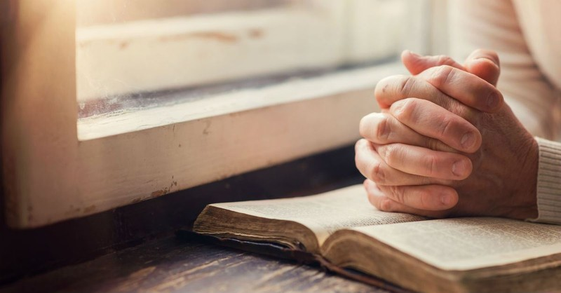 Sunday Prayer: A Powerful Morning Prayer to Focus Your Heart on God