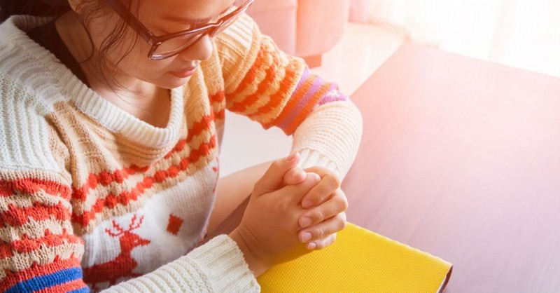 A Prayer for Healing and 15 Verses to Give You Hope and Strength