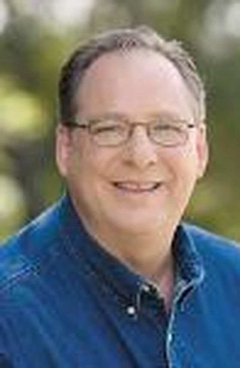 Rick Warren Reaches Out in Print, Over Internet