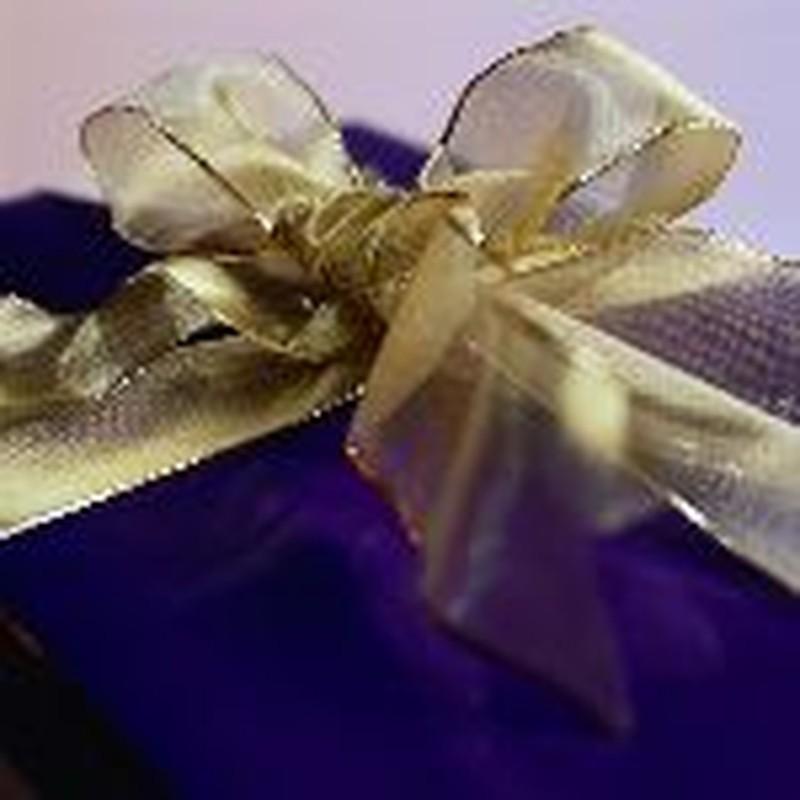 Financially Savvy Gift-Giving