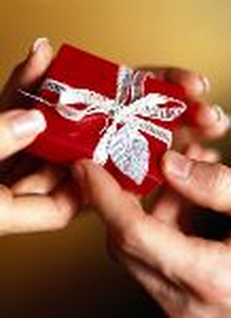 Give Your Spouse the Gift of Grace this Season