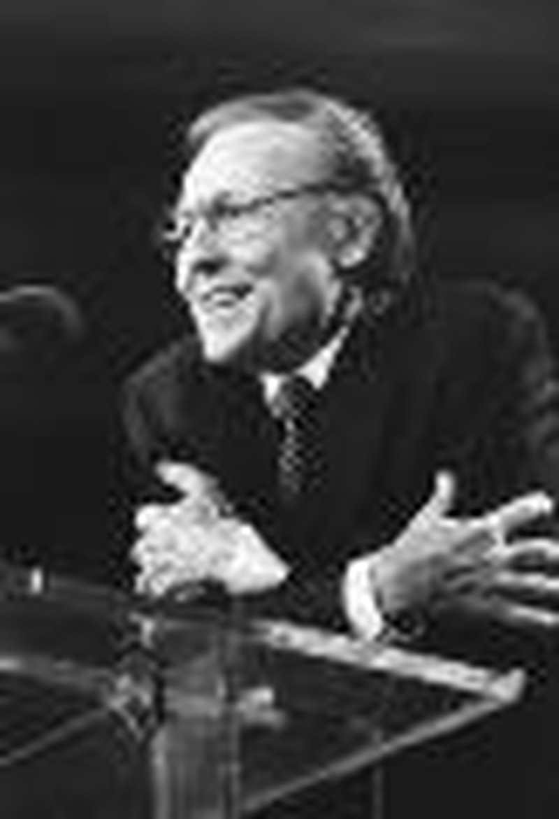 Lewis Drummond, Former Seminary Head, Dies at 77
