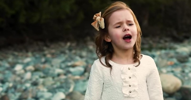 7-Year-Old Claire Crosby Sings 'I Know My Redeemer Lives'