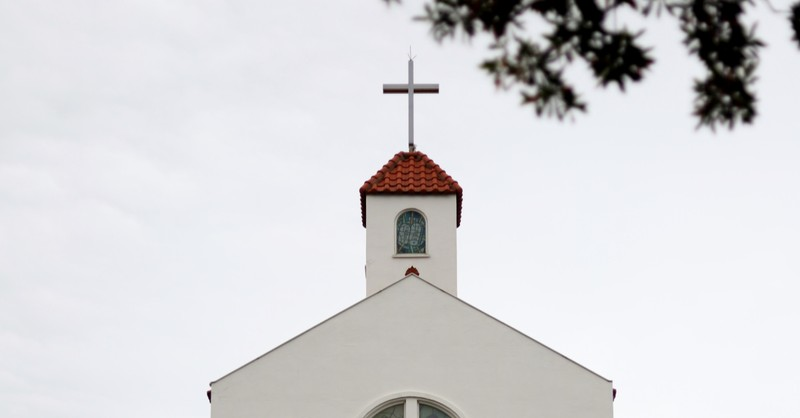 A church building, 68 percent says the government should not get involved in the church