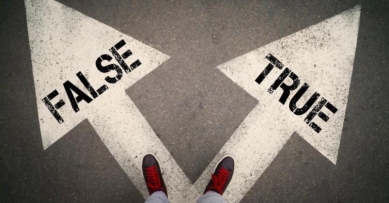 Alguien que enfrenta un camino verdadero o falso, 7 señales de un falso profeta