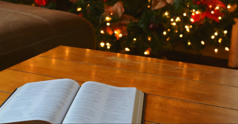 25 Heartwarming Christmas Bible Verses and Scriptures for the Holidays