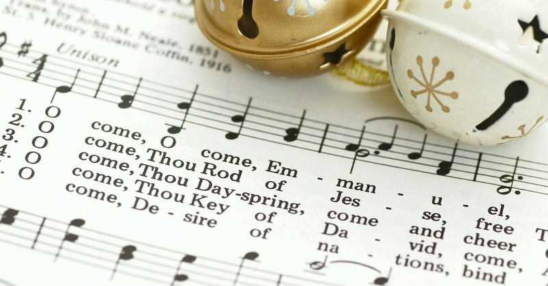7 Beautiful Hymns to Sing during Advent