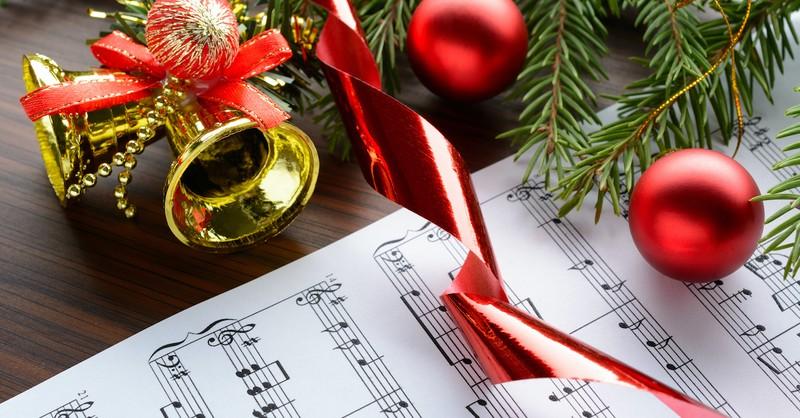 15 Christmas Carols That Give Worship to Jesus - Christmas and Advent