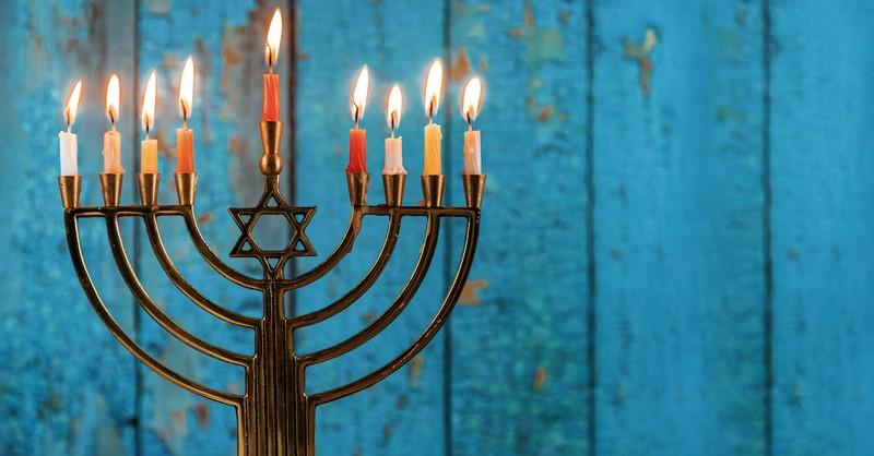 Hanukkah menorah, who were the maccabees