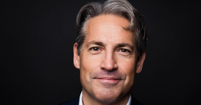 Headshot of Eric Metaxas, author of Fish Out of Water by Salem Books