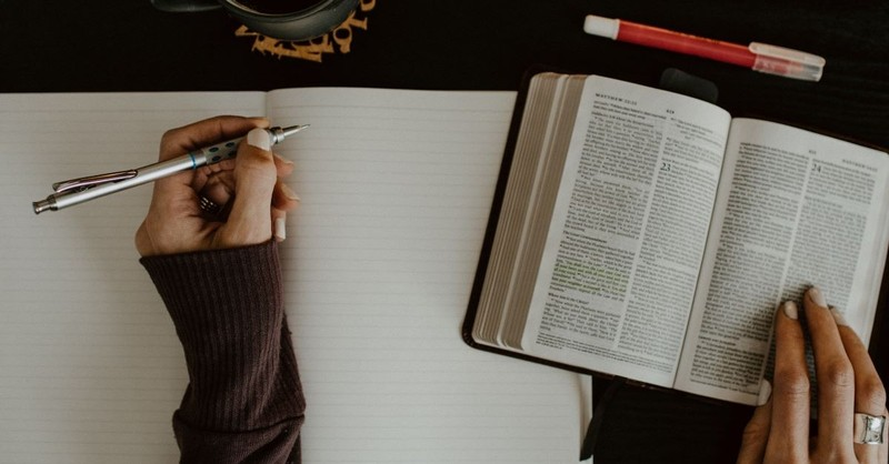 woman bible journal journaling study pen highlighter coffee table
