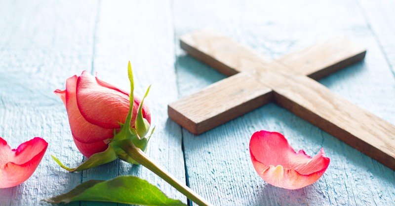 Cross with tulips