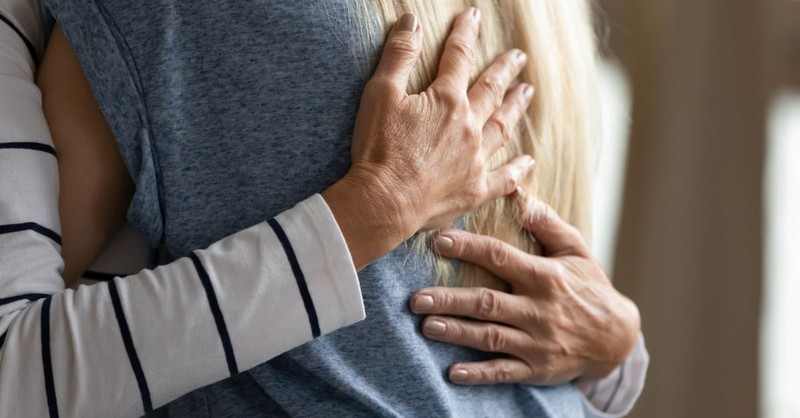 hug hugging forgive understand mother daughter affection embrace