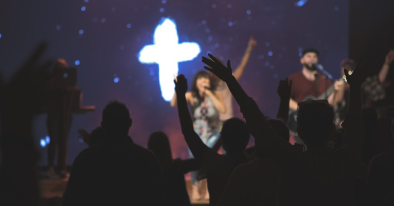 Worship service, CDC says fully vaccinated people wearing masks can return to worship services