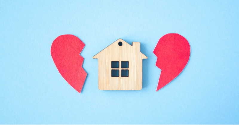 House in the middle of a broken heart