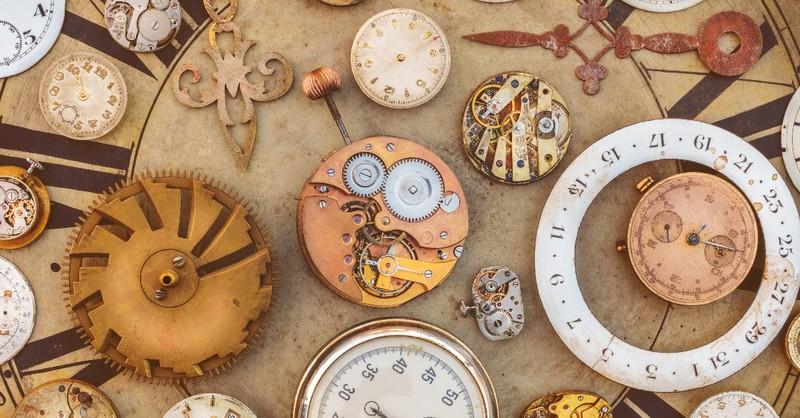Multitude of clocks on a huge clock face