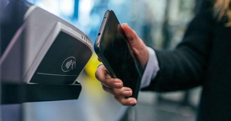 phone scan pay cashless society digital