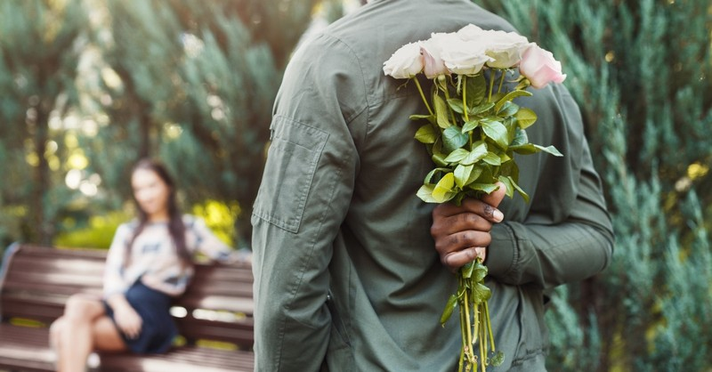 What Is Courting and How Is it Different from Dating?