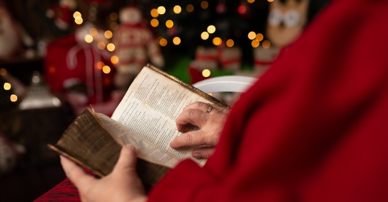 20 Verses to Prepare Your Heart for Christmas