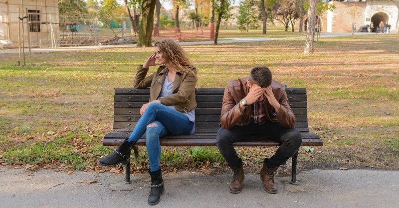 9 Signs to Identify a Controlling, Dominating Spouse