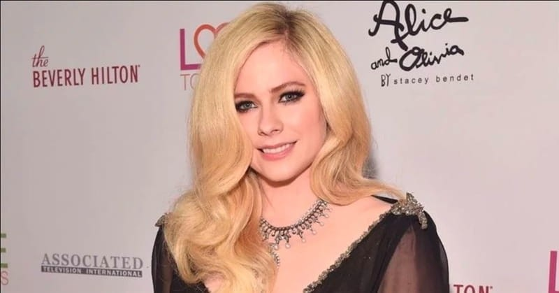 Emotional Story Behind Avril Lavigne Hit Song Head Above Water