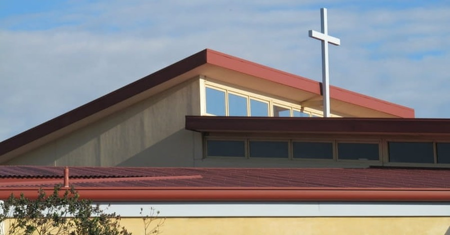 Illinois Woman Spends 8 Days on Church Roof to Raise $15K