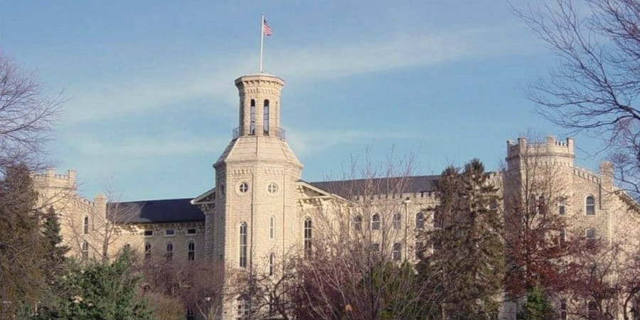 Wheaton College's Gay Celibate Counselor Says She Cannot Change Her Sexual Orientation