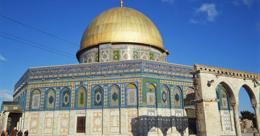 Christian Tourist in Israel Attacked by Muslims