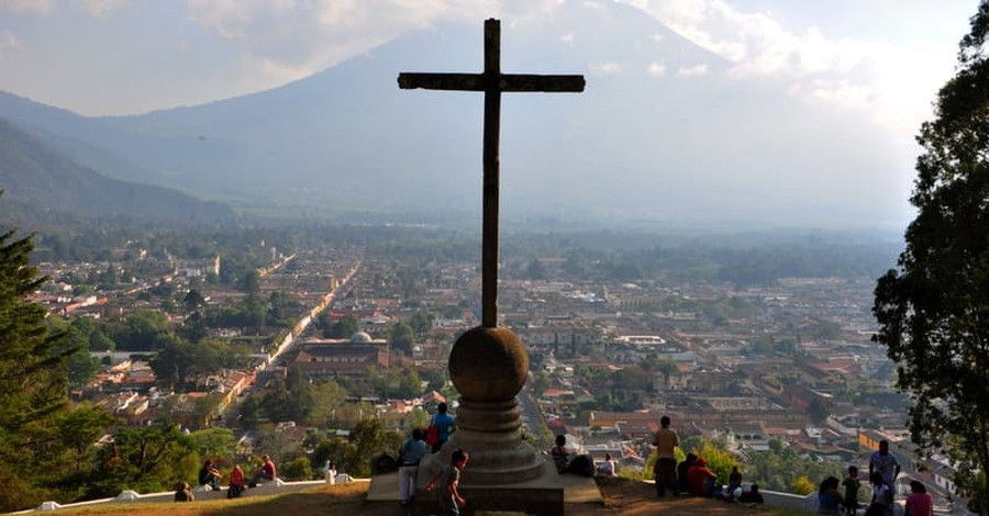 Guatemala Elects Conservative Christian President