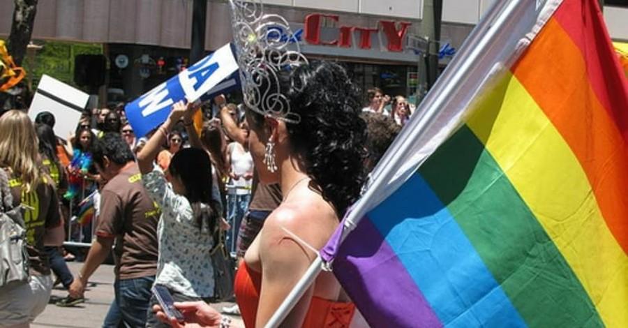 Massachusetts Church Claims God is a Woman, Will Host 'Drag Gospel' Festival