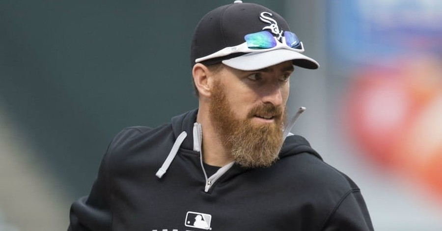 Baseball Player Adam LaRoche Quits after Being Told His Son is Not Allowed in Clubhouse