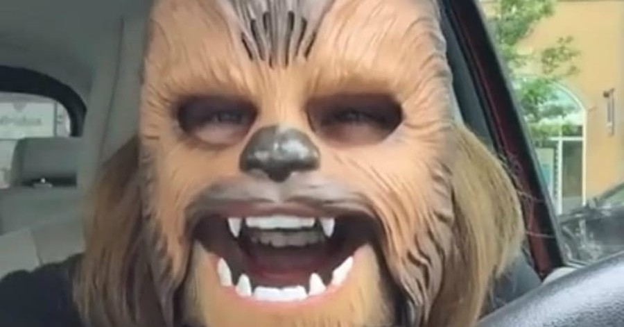 Chewbacca Mask Woman Tells Young People 'Be Diligent in the Work of the Lord'