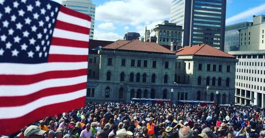Franklin Graham Concludes 'Decision America Tour' in Home State of NC