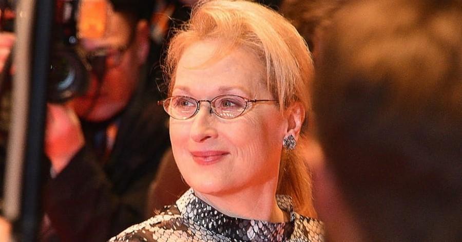 Meryl Streep Uses Golden Globes Speech to Call out Donald Trump