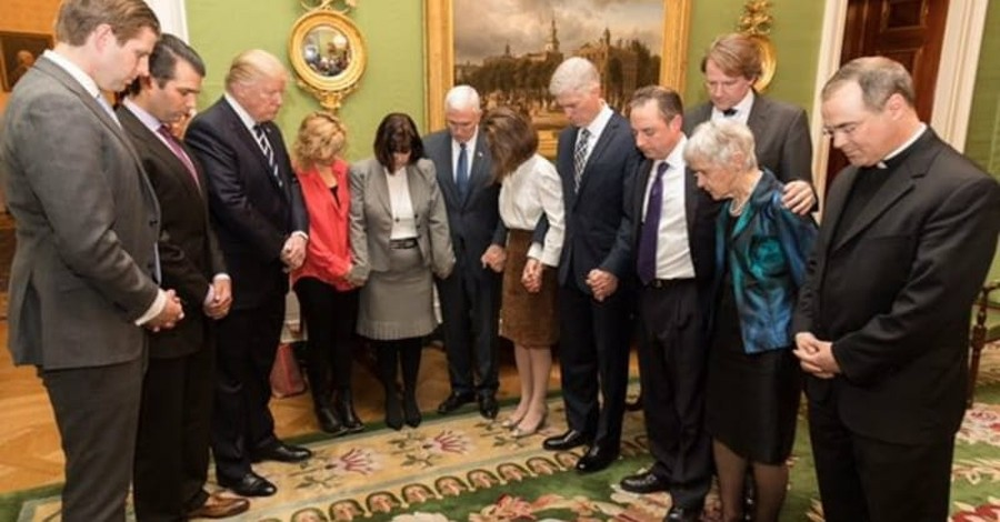 Trump and Pence Prayed with Gorsuch before His Nomination