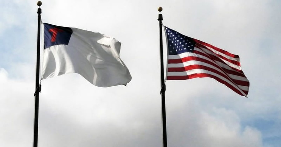 Mississippi Town Protests after Mayor is Forced to Take Down Christian Flag