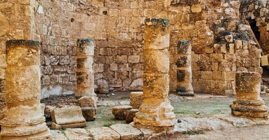 Palace of Biblical King Sennacherib Discovered under Tomb of Prophet Jonah