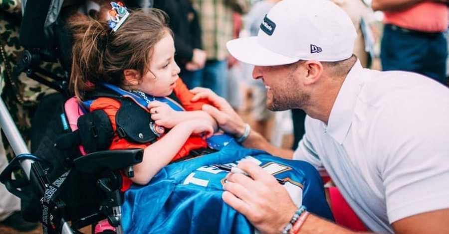 Tim Tebow Rallies Volunteers for Special Needs Shelters in Florida