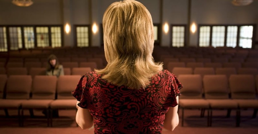 Study: 39 Percent of Evangelicals Approve of Women Pastors