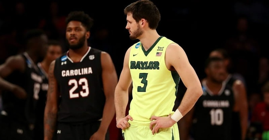South Carolina and Baylor March Madness Teams Join Together for Post-Game Prayer